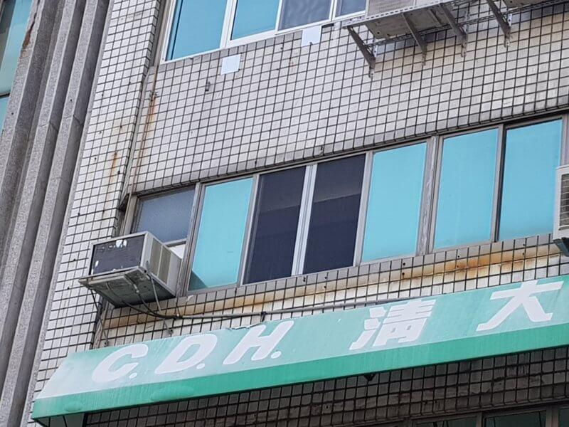 【摺疊紗窗】台南市東區崇德路 #201903201522