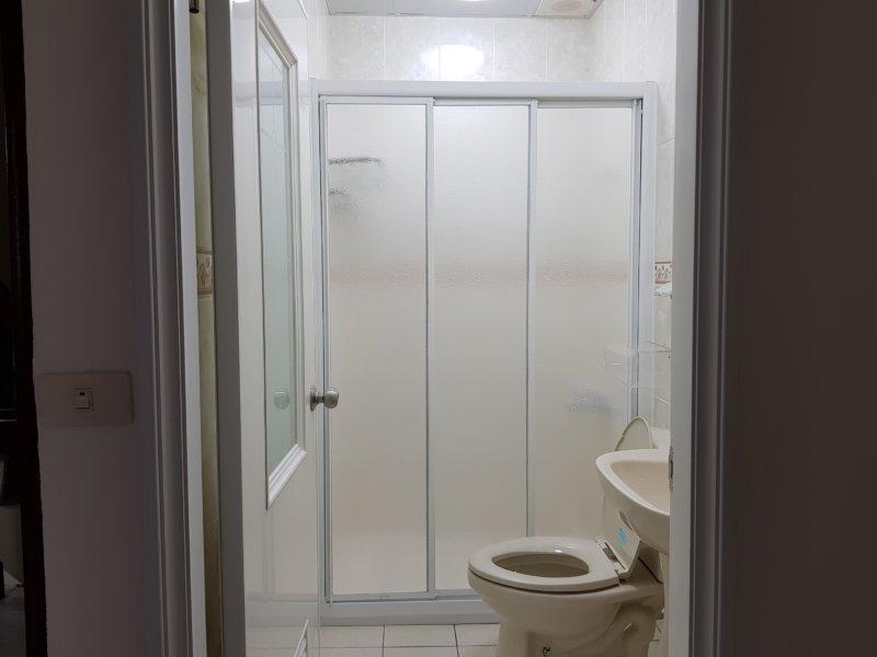 【淋浴拉門】台南市安平區永華四街 #201801041558
